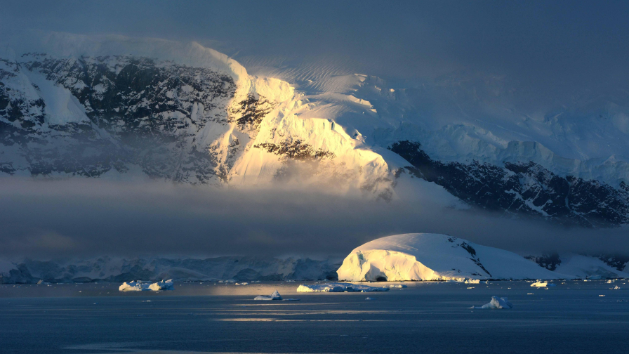 Antarctica Wonderful White Valley Snow and Ice