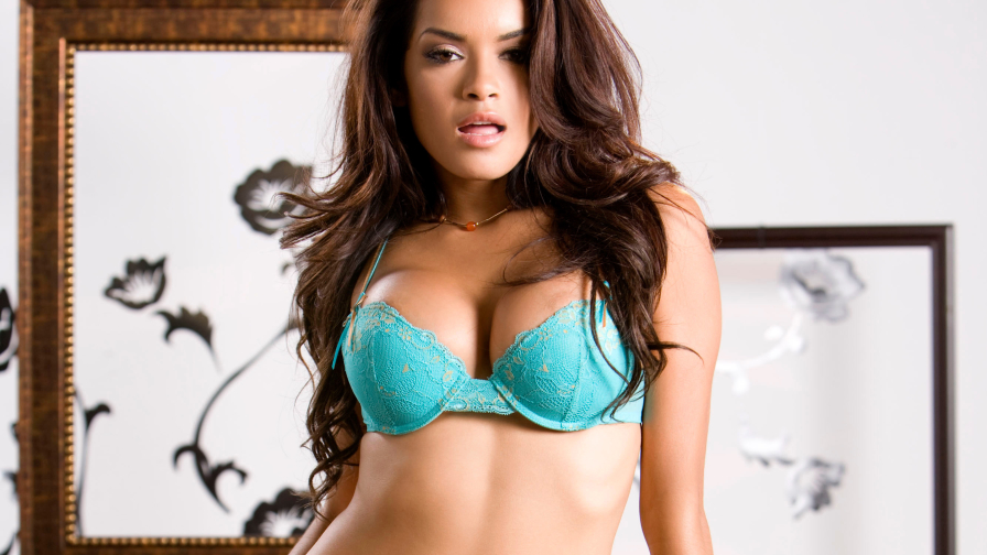 Daisy Marie Hot Girl with Beautiful Body