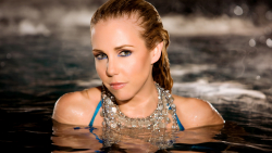 Lysa Boyle Pretty Hot Blonde in Water