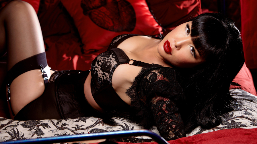 Masuimi Max Beautiful Brunette Girl with Perfect Body