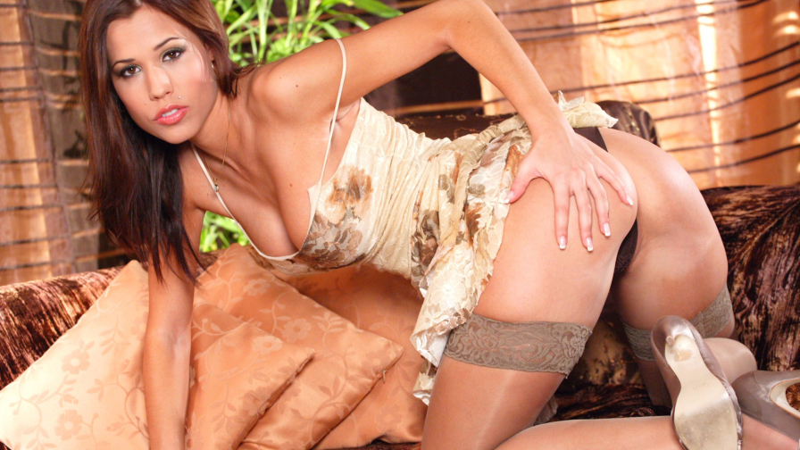 Satin Bloom Hot Czech Girl with Gorgeous Body