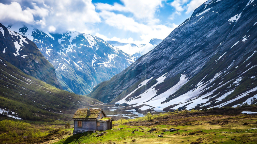 Wonderful Mountains Valley and Single House