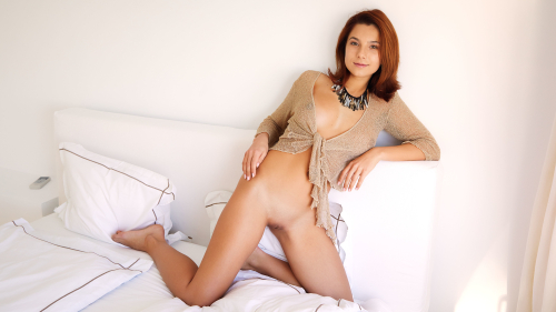 Belka Sexy Hot Naked Beauty with Cute Face